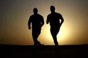 क्या है उलटा दौड़ने के फायदे