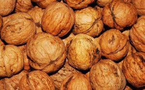 कोलेस्ट्रॉल कम करने के घरेलू उपाय – खाएं यह फल