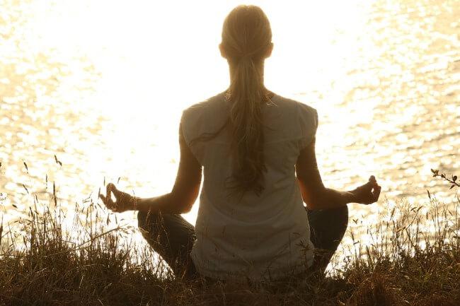कपालभाति प्राणायाम के लाभ और विधि Kapalbhati pranayama yoga benefits and steps