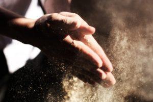 हथेलियों में पसीना आना – अपनाए ये घरेलू उपाय