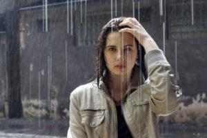 बारिश के मौसम में बालों की देखभाल