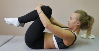 लो ब्लड प्रेशर या लो रक्तचाप में क्या करें - कौन से योग लो ब्लड प्रेशर में करने चाहिए जैसे कि कटिचक्रासन, पवनमुक्तासन, कपालभाति आदि, low bp yoga tips hindi.