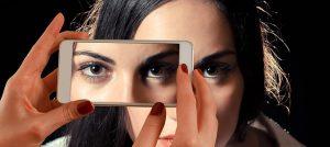 आँख फड़कने से है परेशान तो अपनाए ये उपचार