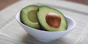 एवोकैडो खाने के फायदे और नुकसान