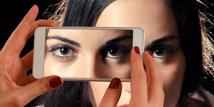 आंखों के नीचे डार्क सर्कल जाने इसके कारण और घरेलू उपाय या इलाज ताकि आप दिखें सुन्दर और करें आँखों की देखभाल, dard circles below eyes home remedies in hindi