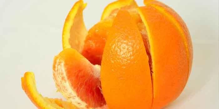 संतरे के छिलके - Ankhon ke niche dard circke ke upay
