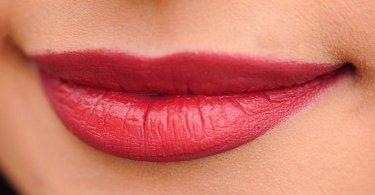 होंठ के कैंसर के लक्षण और उपचार जाने विस्तार से आखिर कैसे होता है ये कैंसर, lips cancer ke lakshan aur upchar in hindi