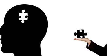 दिमाग को कैसे स्वस्थ्य रखा जाए उसके तरीको के बारे आपको जानकारी होनी चाहिए, साथ ही परहेज के बारे में भी मालूम होना चाहिए , Keep your brain healthy in Hindi