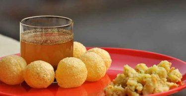 गोलगप्पे हर किसी को पसंद है। आइए जानते हैं गोलगप्पे का पानी बनाने की विधि के बारे में, Golgappa Masala Water Recipe in Hindi.