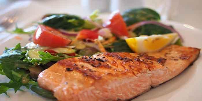 कैल्शियम देता है सैल्मन मछली