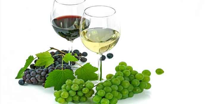 दमकता हुआ चेहरा प्राप्त करना है या फिर आंखों के डार्क सर्कल को दूर करना है आप अंगूर का रस जरूर पीजिए, benefit of grape juice in Hindi.