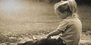 बच्चों की देखभाल  – प्यार के साथ, सख्ती भी जरूरी