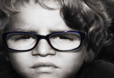 हाइपरोपिया, जिसे दूरदर्शिता भी कहा जाता है, आइए जानते हैं, हाइपरोपिया के कारण, लक्षण और रोकथाम के बारे में, Causes, Signs, Symptoms and Prevention of Farsightedness.