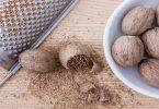जायफल मसाला बहुत ही काम की चीज है, जायफल खाने के बहुत ही फायदे हैं, लेकिन इसके नुकसान भी है, Benefit and side effect of nutmeg.