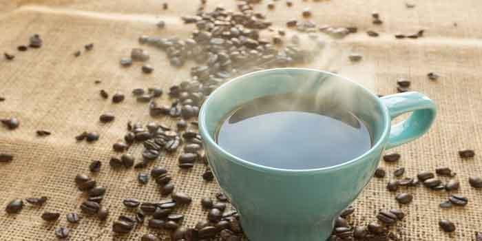 पेट दर्द की बीमारी में परहेज करें चॉकलेट और कैफीन