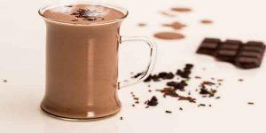 चॉक्लेट मिल्क पीने के फायदे