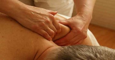 मांसपेशियों में दर्द के कारण और 7 घरेलू उपाय