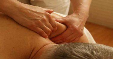 कंधे और गर्दन के दर्द के लिए योग