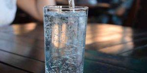 खाना खाने के कितनी देर बाद पानी पीना चाहिए