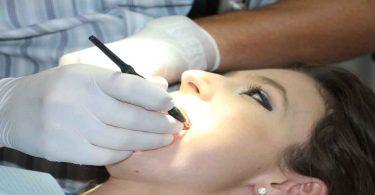 दांतों में झनझनाहट को दूर करने के घरेलू उपाय