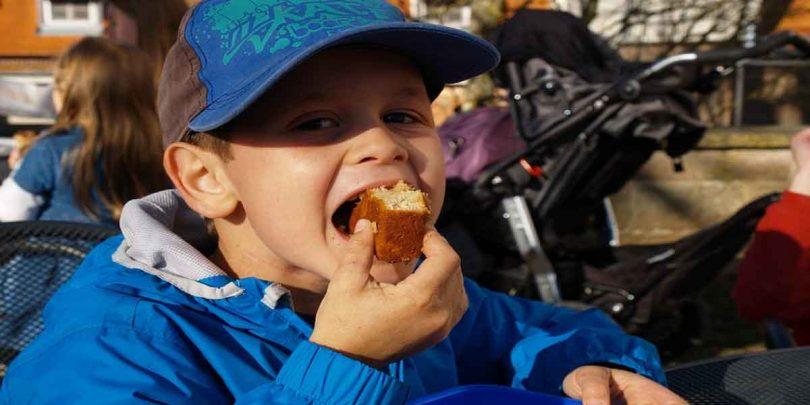 बच्चों में मोटापा के कारण और उससे होने वाले रोग