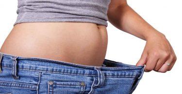 इन आदत को अपनाकर प्राकृतिक तरीके से करें वजन को कम