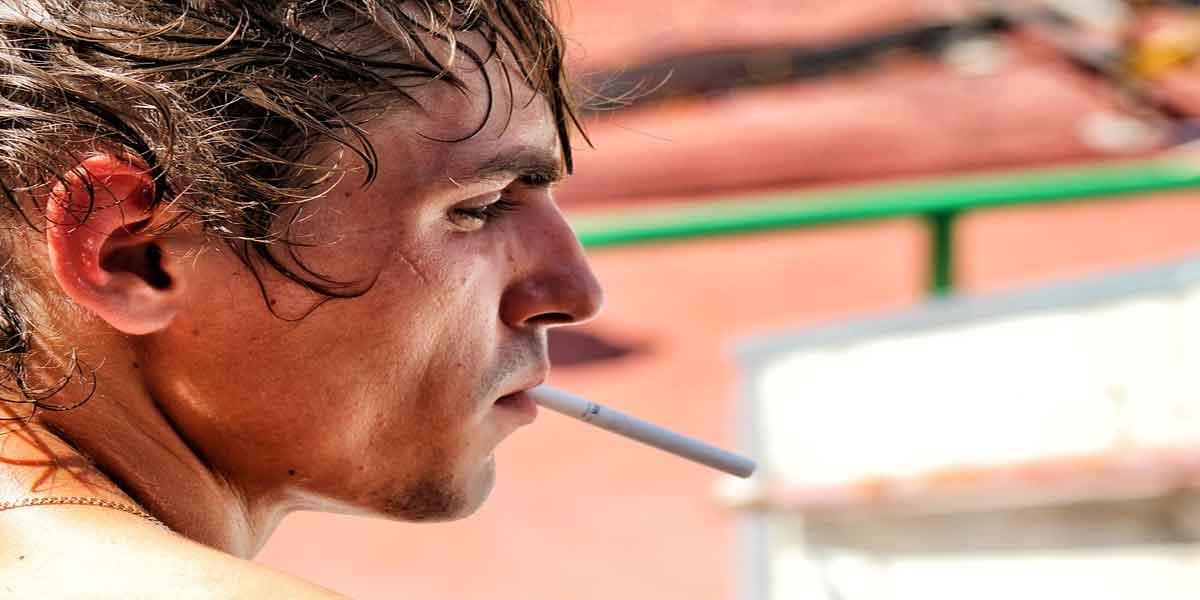 सिगरेट पीना छोड़ दें