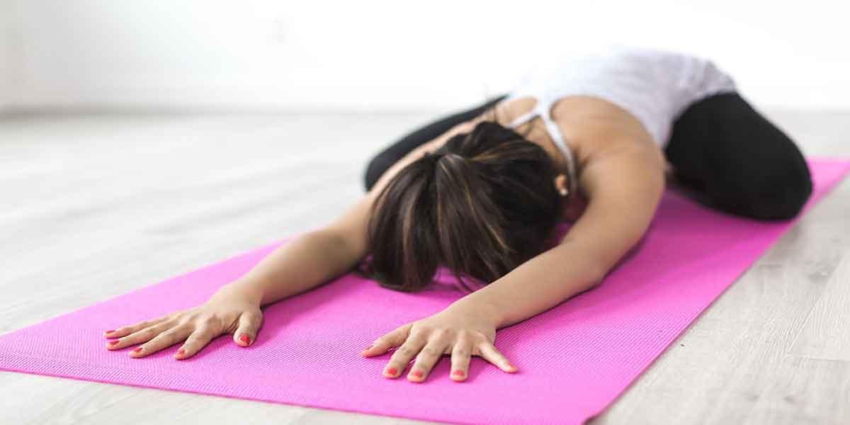 खाली पेट नियमित रूप से करें योगा