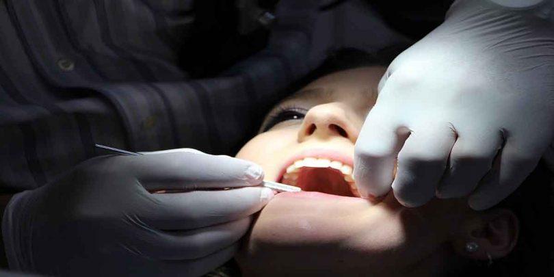 बढ़ती उम्र में दांतों की देखभाल