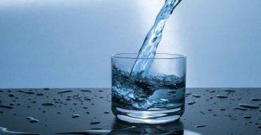 गिलास पानी पीने से आपके शरीर में क्या होता है
