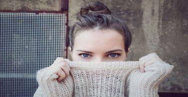 आंखों की जलन और थकान के घरेलू उपचार