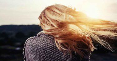 बालों की रूसी हटाने के लिए घरेलू नुस्खे