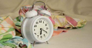 सुबह जल्दी उठने के आसान तरीके