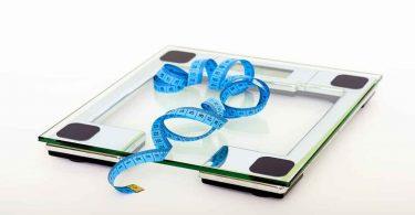 कौन से फल खाने से वजन बढ़ता है